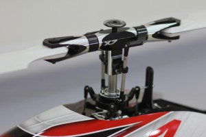 ♦Succinctly &, stylishly designed FBL main rotor head and swash plate which produces quicker response and superior control precision.